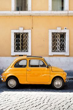 Yellow Fiat 500 (Cinquecento) in Rome, Italy Aesthetic Colors, Summer Aesthetic, Aesthetic Vintage, Aesthetic Photo, Travel Aesthetic, Aesthetic Pictures, Yellow Car, Yellow Walls, Mellow Yellow
