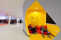 Gallery of New City School, Frederikshavn / Arkitema Architects - 4 - interior design Corporate Interiors, Office Interiors, Design Comercial, A As Architecture, Ecole Design, School Building, Team Building, Library Design, Learning Spaces