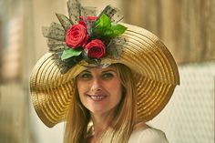 How to Make a Kentucky Derby Hat With Flowers