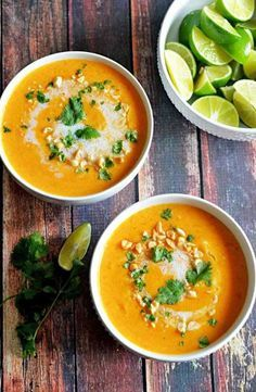 Thailändische Kokos-Kürbis-Suppe