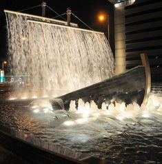 Awesome Fountain In Dubai
