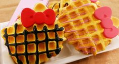 hello kitty waffles!!