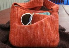 Use this cute felted knitted purse pattern to make a chic Slant Pocket Beach Bag.  Since this bag is meant to be felted, try not to worry too much over the gauge.  The main body of this fantastic bag is knit from the bottom up.