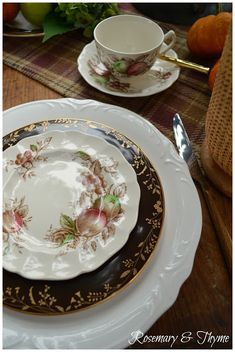 #autumn, #fall, #tablescapes, #tablesettings, #entertaining, #teatime, #afternoontea, #johnsonbrothers, #lenox, #antiques, #falldecorating, #tabletop, #fallcolors, #design, #tablestyling