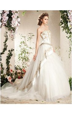 A-line Strapless Court Train Tulle Wedding Gown