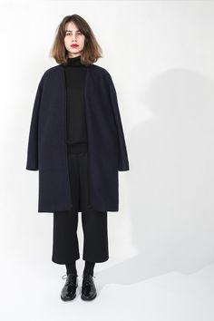 Blazer + cropped Trousers. Design: Elsien Gringhuis. Photo: Tse Kao