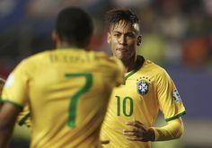 """Após grande passe, Neymar diz que """"70% do gol"""" é de Douglas Costa #sportv"""