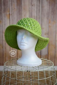 Crochet Sun Hat - Free Child/Adult Pattern by Phanessa Fong. Worsted weight.