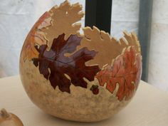 Wood Burning Patterns, Wood Burning Art, Nature Crafts, Fall Crafts, Crafts To Sell, Diy Crafts, Bee Painting, Gourds Birdhouse, Decorative Gourds