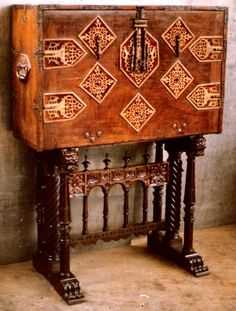 Spanish Renaissance furniture