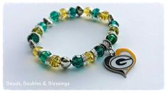 Bracelet  Green Bay Packers by BeadsBaublesBlessing on Etsy