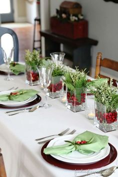 33 eye catching centerpieces for christmas - Pinterest Christmas Table Decorations