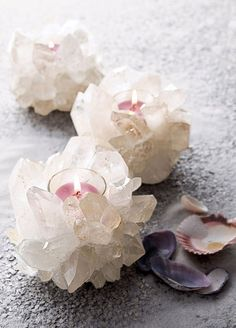 Stunning Non-Floral Wedding Centerpieces Ideas ❤︎ Wedding planning ideas & inspiration. Wedding dresses, decor, and lots more. Crystals And Gemstones, Stones And Crystals, Ice Crystals, Eclectic Candles, Bedroom Candles, Crystal Decor, Quinceanera Centerpieces, Crystal Wedding Centerpieces, Table Centerpieces