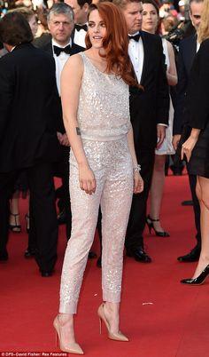 Kristen viste un combinado en blanco simplemente perfecto