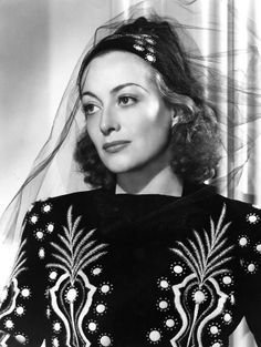 Joan Crawford - Publicity photo for the 1937 movie 'Mannequin', photo by George Hurrell Hollywood Photo, Old Hollywood Glamour, Golden Age Of Hollywood, Vintage Hollywood, Hollywood Stars, Classic Hollywood, Hollywood Divas, Hollywood Icons, Hollywood Actresses