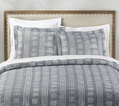 Add luxury to your bed with Pottery Barn's vast selection of duvet covers and shams. Choices include breezy linen and quality cotton in solid colors and patterns. Organic Duvet Covers, Bed Duvet Covers, Bed Sets For Sale, Blue Duvet, Bedding Sets Online, Cute Home Decor, House Beds, Luxury Bedding