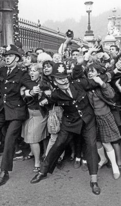 Beatlemania, Buckingham Palace, 1965