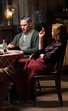 """Forrest and Maggie (Tom Hardy and Jessica Chastain) - """"Lawless"""" (Aug. Tom Hardy Lawless, Tom Hardy Actor, Tom Hardy Hot, Tom Hardy Movies, Gangster Movies, Baby Toms, Gary Oldman, Body Poses, Romance"""