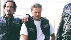 Tig and Jax Charlie Sons Of Anarchy, Sons Of Anarchy Samcro, Sons Of Archery, Lost City Of Z, Handsome Jack, Charlie Hunnam Soa, Jax Teller, Big Sean, Entertainment Weekly