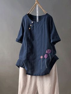 Fashionable Embroideried Dandelion Short Sleeve Button Casual T-Shirt Online - NewChic Flower Shorts, Linen Tshirts, Themed Outfits, Couture, Blouse Vintage, Vintage Floral, T Shirts For Women, Clothes For Women, Casual T Shirts