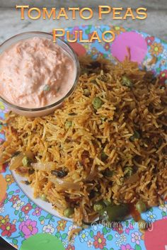 Tomato Recipes Tomato Peas Pulao Recipe - Thakkali Pattani Pulav Recipe - Quick and easy tomato peas pulao which is so tasty. The rice is perfect to put on kids lunch box. Taste amazing with some cooling raita on the side. Peas Pulao Recipe, Vegetable Pulao Recipe, Biryani Recipe, Veg Recipes, Indian Food Recipes, Vegetarian Recipes, Cooking Recipes, Indian Foods, Indian Dishes