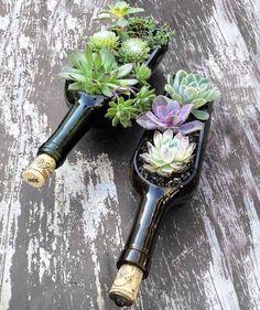 Recycling von alten Weinflaschen. Muss ich mir unbedingt für die spätere Gartendeco merken! (Gefunden auf Facebook über Heim Gourmet)