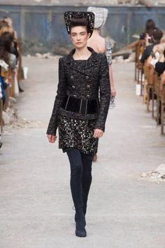 CHANEL CLOTHING PINTEREST | Chanel Haute Couture runway fashion Paris Fall 2013: Tweed, sparkles ...