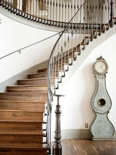 Fit for a King - Utah Style & Design Winter 2012 - Alice Lane Home Interior Design Staircase Railings, Curved Staircase, Staircase Design, Stairways, Banisters, Modern Staircase, Stair Treads, Rustic Staircase, Staircase Remodel