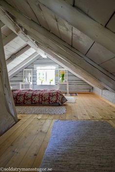 Attic Bedroom Small, Attic Bedroom Designs, Attic Loft, Attic Design, Loft Room, Attic Rooms, Attic Spaces, Attic Master Bedroom, Bedroom Loft
