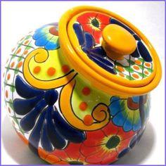 A rare piece of Santa Rosa Majolica earthenware from the Village of Santa Rosa, Guanajuata. Mexican Style Decor, Mexican Art, Mexican Crafts, Talavera Pottery, Ceramic Pottery, Pottery Painting, Ceramic Painting, Paint Cookies, Mexican Designs