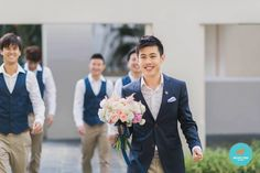 Real Weddings: Story of Sam & Bernie, Thompson Baptist Church & Fullerton Hotel – behind the scene of building a dream Wedding Advice, Wedding Planning Tips, Wedding Story, Our Wedding Day, Fullerton Hotel, Have A Safe Trip, Hydrangea Bouquet, Champagne Pop, Themes Photo