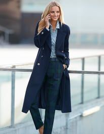 Madeleine is undergoing maintenance Preppy Mode, Preppy Style, My Style, Sophisticated Style Women, Madeleine Fashion, Simple Wardrobe, Business Chic, Classic Chic, Colorful Fashion