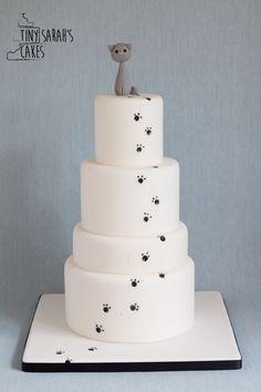 Wedding cake - chic and elegant - cat wedding cake - paw prints - alternative wedding cake - wedding cake inspiration - Bracknell, Berkshire. Tiny Sarah's Cakes. www.tinysarahscakes.co.uk www.facebook.com/tinysarahscakes www.instagram.com/tinysarahscakes