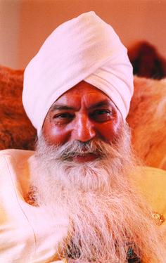 26 mejores imágenes de Yogi Bhajan  33b9c29ce339