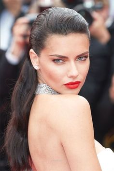 Outstanding Cannes 2017 Beauté – Adriana Lima   The post  Cannes 2017 Beauté – Adriana Lima…  appeared first on  Hairstyles 2019 .