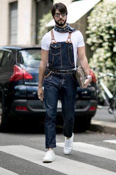Inspiração de Street Style com macacão africano em estilo fazendeiro - Street fashion, street style, street fashion, style, fashion, mode, moda, street chic, look, outfit, men, cool hunting, Kadu Dantas, overall