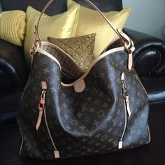 🎉Host Pick 3/15/14🎉Louis Vuitton Delightful GM Please note that I'm in no rush to sell so don't waste my time. 👎 100% Authentic as is all my items. Comes with original dust bag and tags! Bag is in Excellent-Like New condition. My husband bought in 2011 and I've only used her twice. She is well taken care of as is EVERYTHING I OWN. This bag is discontinued and goes for $2,000.00 so MY PRICE IS FIRM. LOW BALL OFFERS WILL BE IGNORED. Comes from Smoke/Pet free home. NO SCAMMERS ALLOWED (You…