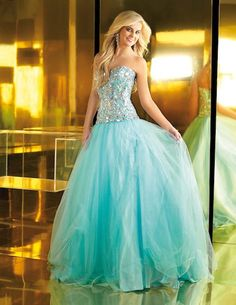 Dress Style #6109 I WANT IT!