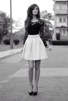 High waisted skirt and a lace shirt>>