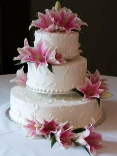 wedding cake with lilies and roses 1000 ideas about stargazer wedding on 26922