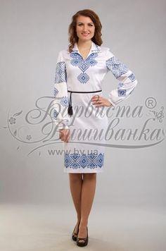 Женское платье белое с вишенками