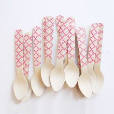 Behold the newest party trend...WOODEN CUTLERY! OK..OK.. not so new anymore but we have taken it one step further with our printed, wooden party spoons and scoops in beautiful brights. Seriously these are to die for! With a selection of colours and designs these divine little party spoons are an absolute must when creating an even with WOW factor! Just choose the colour combo / pattern to compliment your table design. LOVE! Comes in a pack of 20