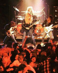 A shot of Megadeth gig from their early days . . . . #megadeth #davemustaine #metalhead #metal #metalmusic #heavymetal #legend #legendary #band #thrashmetal #80s #90s #oldies #goldies #oldiesbutgoldies #goldenera #goldenrockera #guitarist #dean #deanguitars