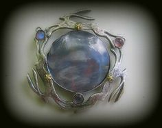 Triple Hare Pendant with Moonstones and large Agate