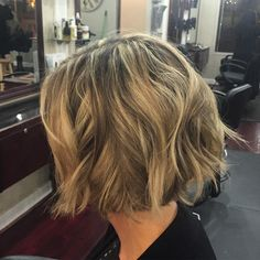 """""""New #haircut for one of my lovely clients! Took about 7 inches off for this fun #textured #bob Also touched up her #blonde #foil #shorthair #wellalife…"""""""