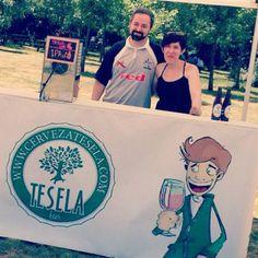 FERIA   Hoy hemos estado en San Cristóbal (Segovia) de feria, entre amigos ¿Verdad Cerveza arévaka? Y, gracias, Bea, de Academia Integral Segoviana, eres un sol.