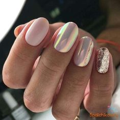 The advantage of the gel is that it allows you to enjoy your French manicure for a long time. There are four different ways to make a French manicure on gel nails. The choice depends on the experience of the nail stylist… Continue Reading → Gorgeous Nails, Love Nails, Pink Nails, Glitter Nails, My Nails, Pink Glitter, Matte Nails, Pink Chrome Nails, Chrome Nail Polish