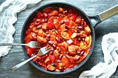 Pikantny gulasz z indyka po meksykańsku – popraw przemianę materii | – Dietetyczne przepisy – Recipe Images, Burritos, Paella, Guacamole, Chili, Healthy Recipes, Healthy Food, Curry, Soup