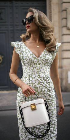 30 Dresses in 30 Days Nyc Fashion, Spring Fashion, Womens Fashion, Fashion Design, V Neck Midi Dress, Summer Outfits, Summer Dresses, Elegant Outfit, Dress To Impress