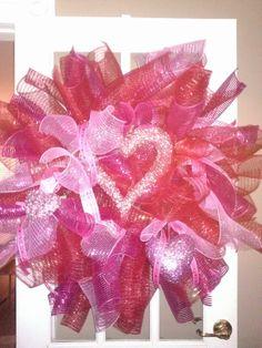 Valentines wreath Valentine Wreath, Valentines, Balloons, Wreaths, Beautiful, Art, Valentine's Day Diy, Art Background, Globes
